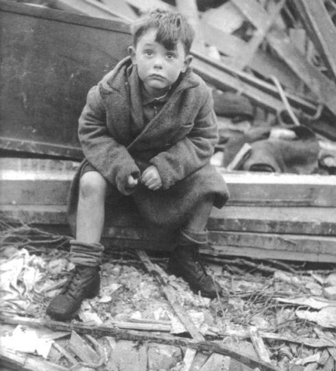 Niño alemán en la Segunda Guerra Mundial